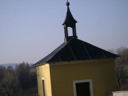 kaple nahřbitově